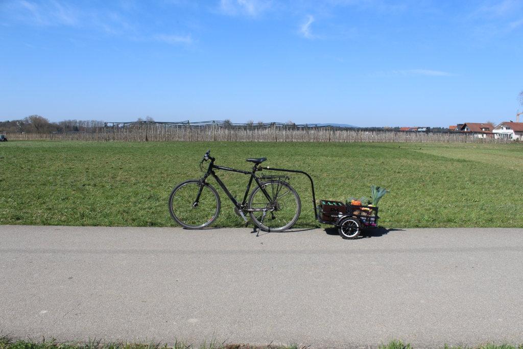 Second Hand Fahrrad und Fahrradanhänger viele kleine dinge
