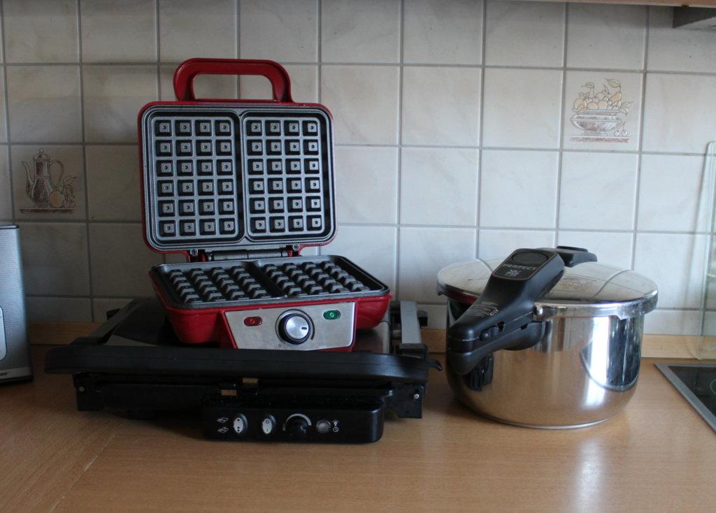 Second Hand Küchengeräte viele kleine dinge