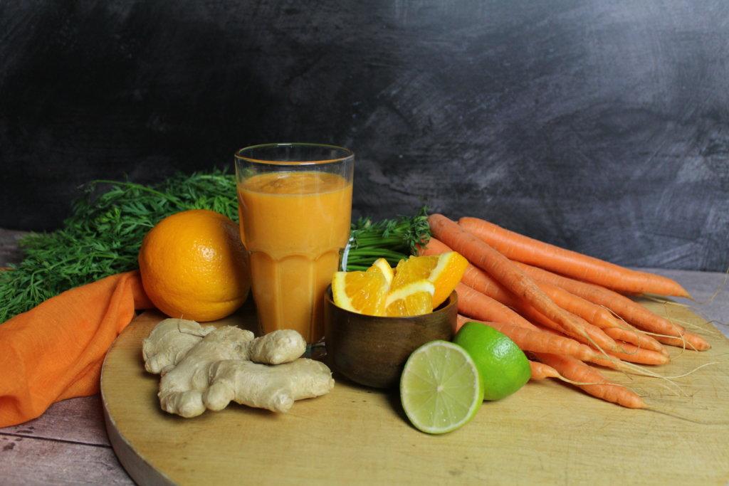 Karotten Orangen Ingwer Smoothie viele kleine dinge Regenbogensmoothies