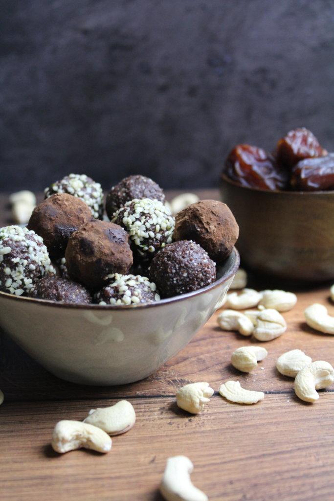 Schoko-Erdnuss-Energyballs viele kleine dinge